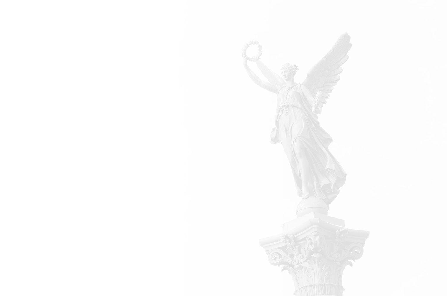 statue con